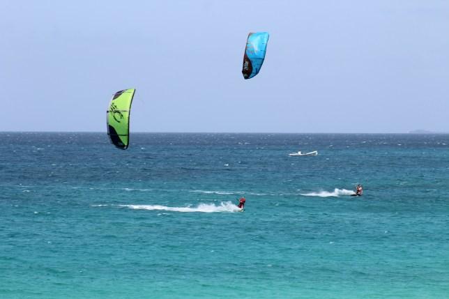 Kitesurf Kiteschool Kite & Tonic Team Kite Kitesurf Sal Kitesurf a la Riu beach