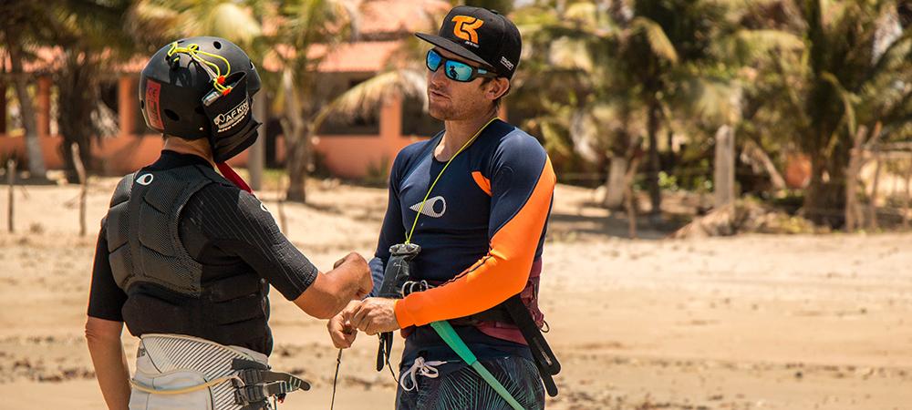 kitesurf lesson with kitexperiment at icarai de amontada