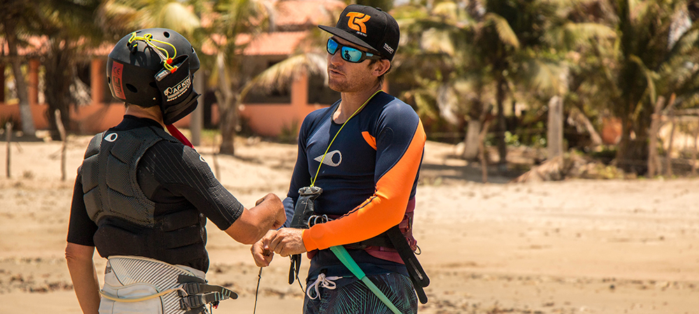 kitesurf lesson with kitexperiment at icarai de amontada