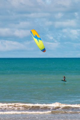 Le foil en kitesurf à icarai de amontada au brésil, un vrai plaisir.