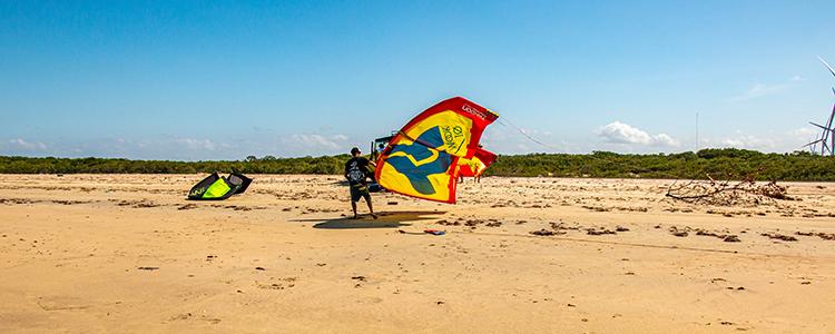Uma decolagem segura da pipa de kitesurf