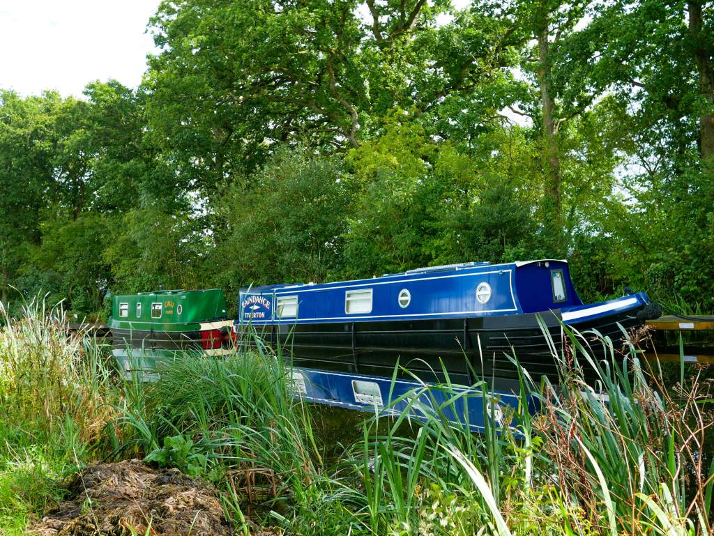 canal boat tiverton