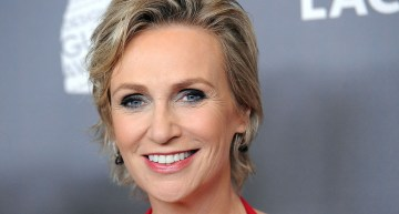 """Glee"" star Jane Lynch Discusses Her Early Struggles With Being Gay"