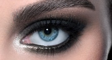 The Step-By-Step Guide to Smokey Eye Makeup from A Lesbian
