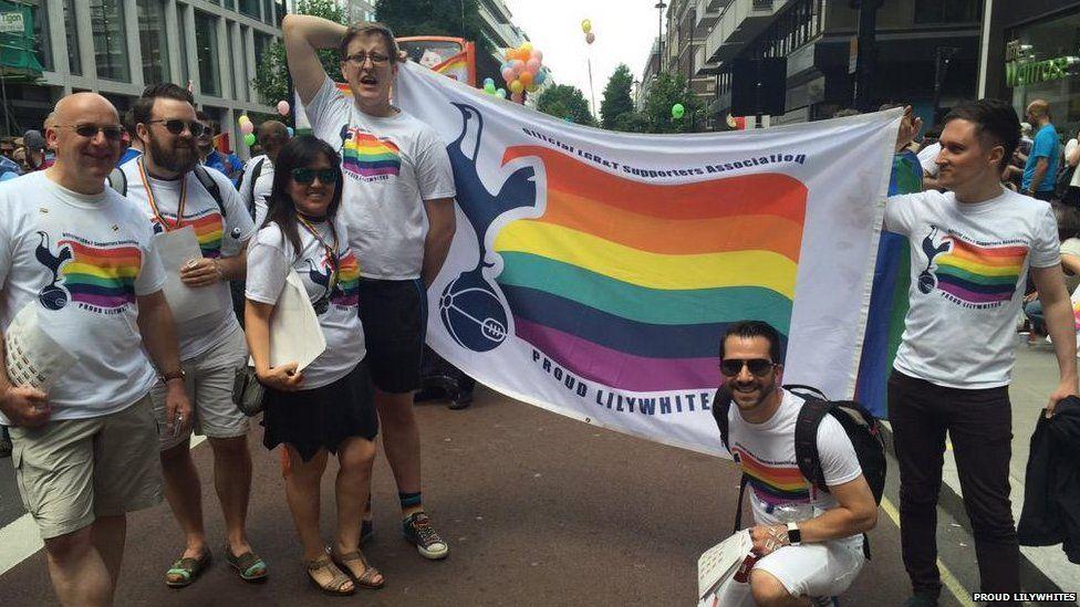 LGBT-football-fans-03