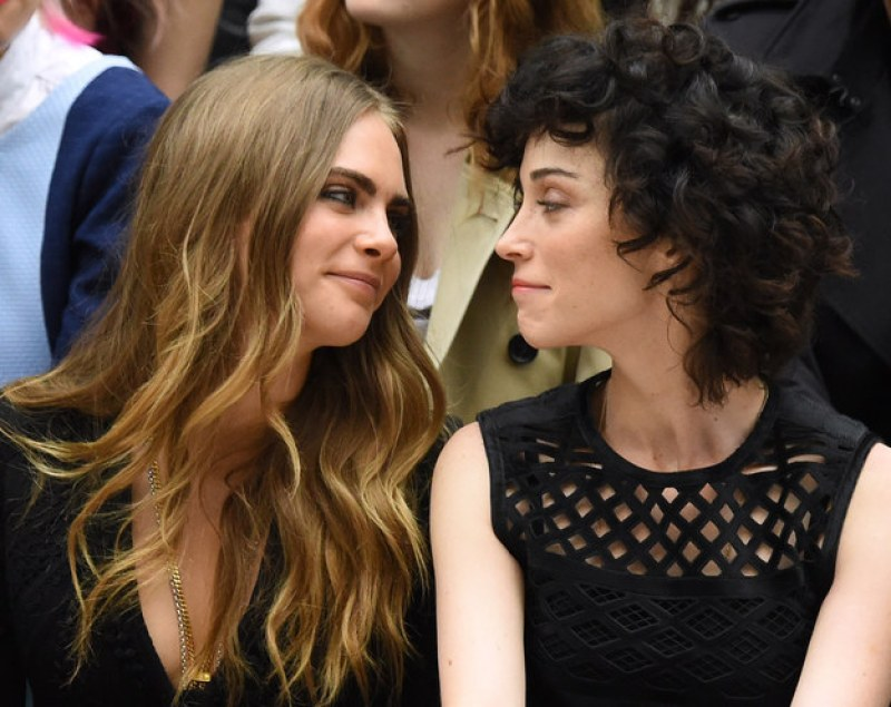 Cara Delevingne And Annie Clark 02