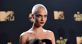 Daily Juice: Cara Delevingne Rocks Shaved Head on MTV Awards Red Carpet