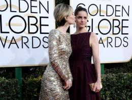 Amanda Peet Wants To Reboot 'Cagney & Lacey' With BFF Sarah Paulson (Please Make This Happen)