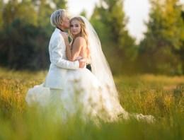 Disney Star Mollee Gray Marries Her Girlfriend In An Ultra-Romantic Outdoor Wedding
