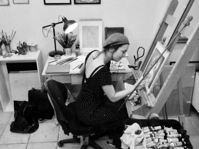 I atelieret - foto: Mollie Keyser