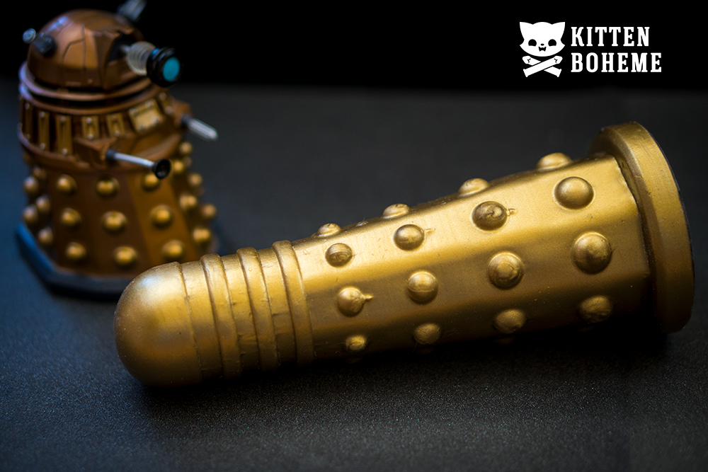 Geeky Sex Toy's Doctor Screw Dildek Silicone Dildo Sex Toy Review by KittenBoheme.com