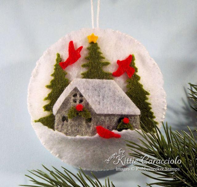 Click thru to see how I made pretty felt ornaments.