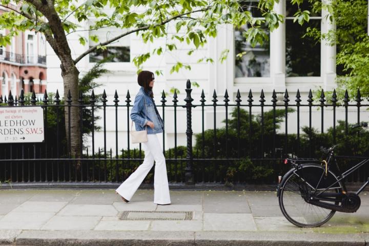 Джинсы лета 2012 — белые джинсы-клёш