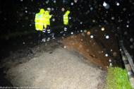 KIULU 15 January 2013.Polis membuat pemeriksaan di kawasan tanah runtuh diantara Kg. Rangalau Baru dan Rangalau Lama di Jalan Kiulu - Tamparuli. laluan ini ditutup kepada semua jenis kenderaan.