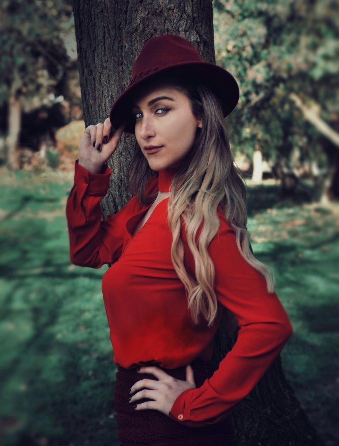 red and hat