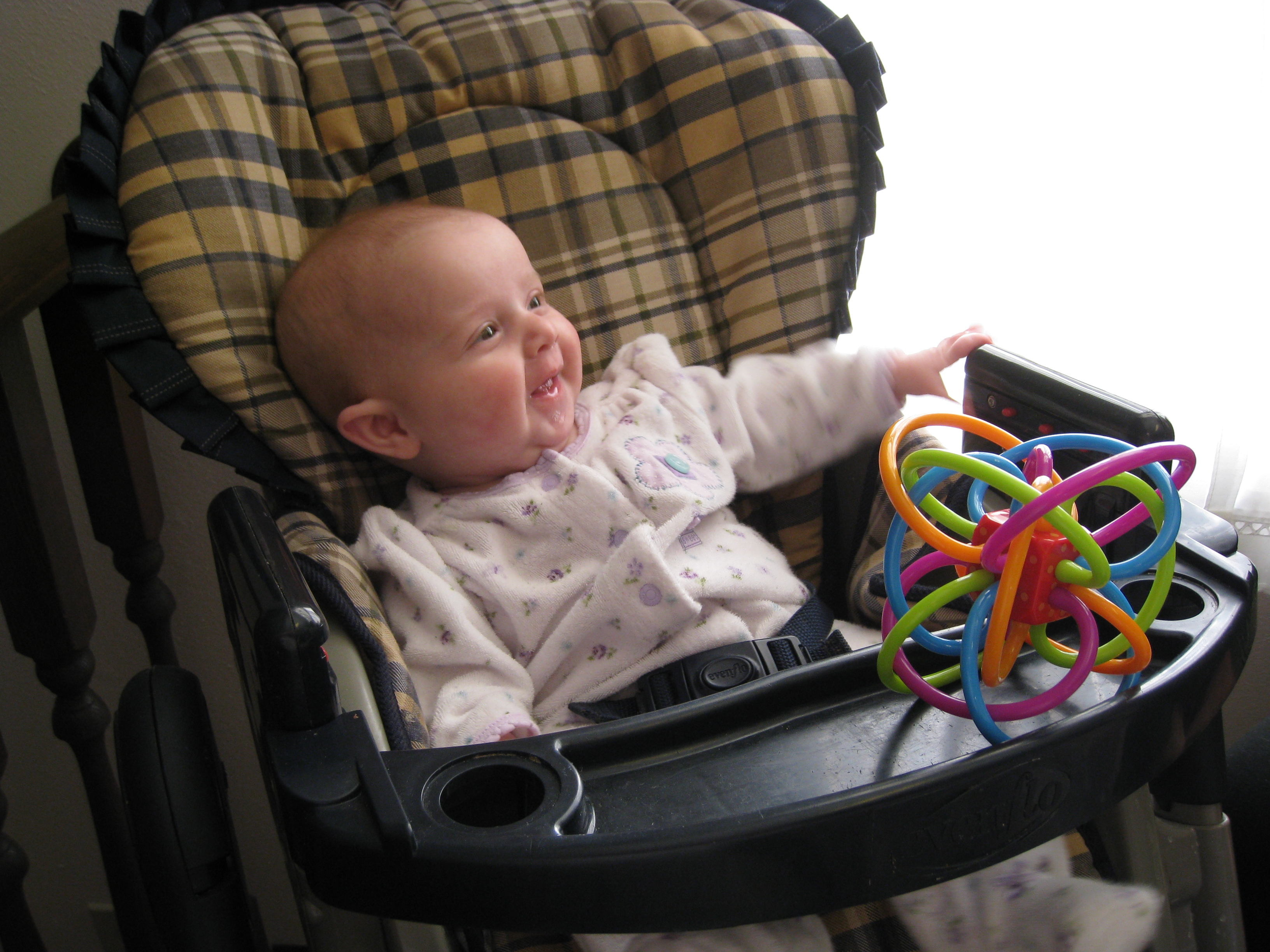 happy-high-chair-baby1