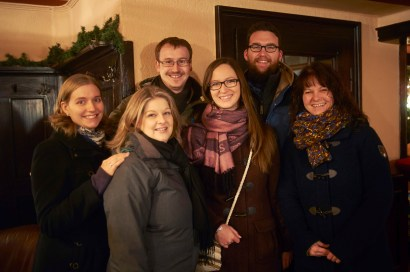 KIWANIS at the Christmas-Market in Erbach: l.t.r.: Kiwanis past president Stephanie Uhrig, vice president Nina Schuetz, Stefan Uhrig, Sabrina Thoemmes, Moritz Krellman an Silke Heinkel in the church-caffe of the protestant church in Erbach.
