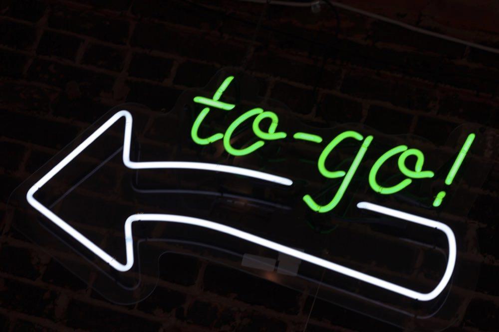 """ネイティブがよく使う """"to go"""" の意味と使い方"""