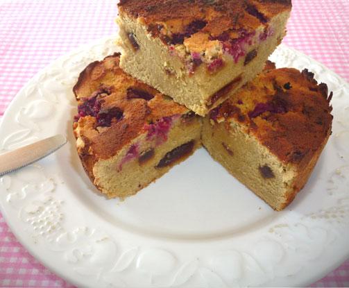 Gâteau à la farine de noix de coco et framboises ( sans céréales )