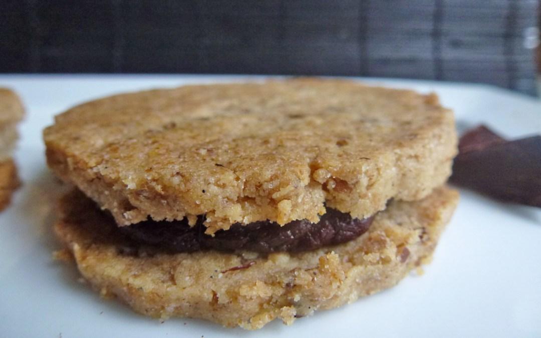 Biscuits fourrés au chocolat, à la farine de riz et de petit épeautre