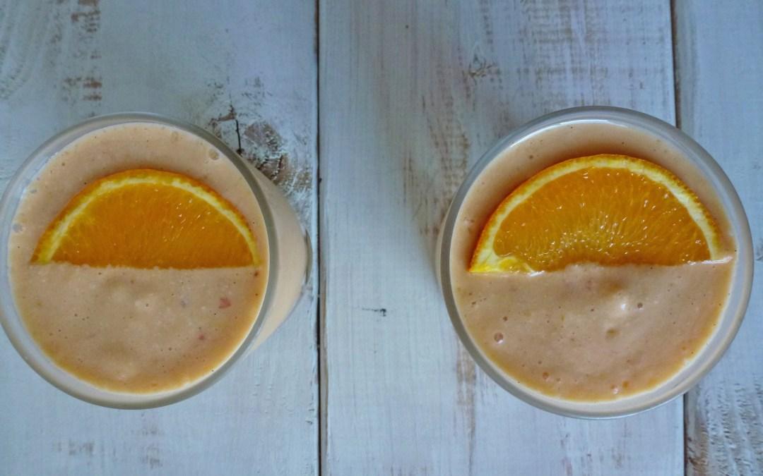 Smoothie orange, abricot, noix de cajou au lait d'amande ( végan, sans sucre ajouté, léger )