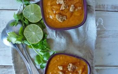 Velouté de carottes / tomates, à la crème de coco et coriandre