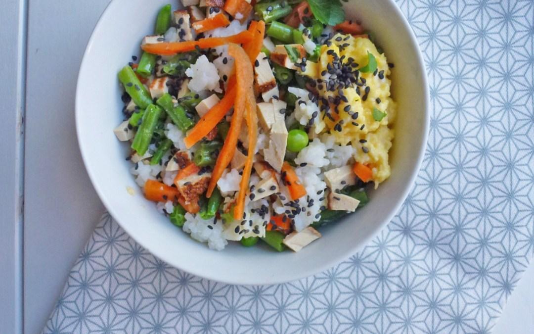Riz façon Cantonais au tofu fumé et petits légumes cuits /crus  ( Vegan, sans gluten )