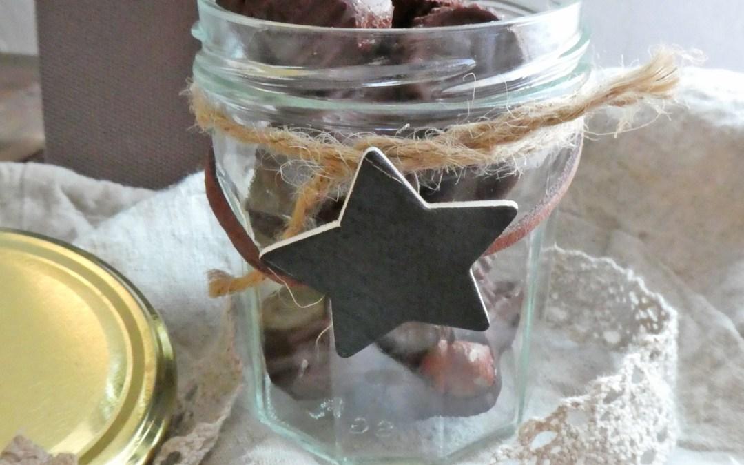 La version facile et fondante des petits chocolats maison au cacao cru et beurre de cajou ( Presque raw, vegan, sans tempérage )