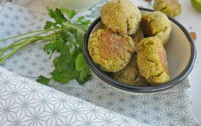 Boulettes aux petits pois, flocons de quinoa, féta et herbes fraiches  ( Sans gluten,sans céréales, sans oeufs, sans friture )