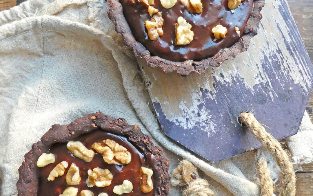 Tartelettes chocolat/noix au caramel de dattes ( Vegan, sans céréales, sans gluten, gourmand ;-) )