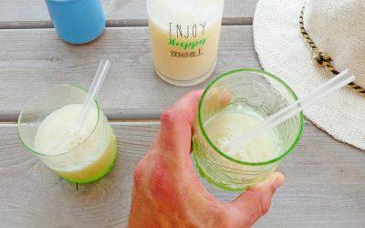 Boisson fraiche et légère au petit goût de coco et de banane ( Sans sucre ajouté, vegan )
