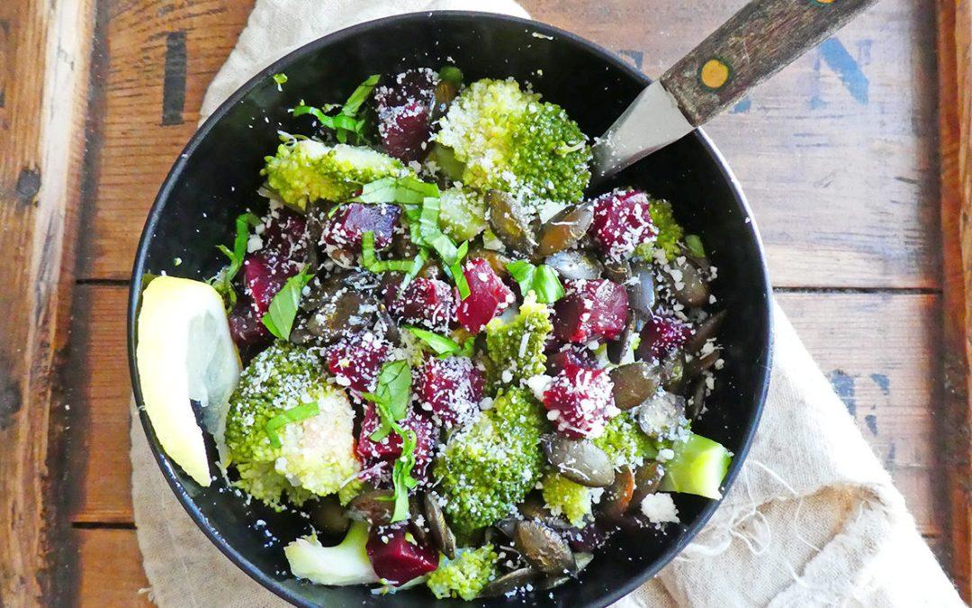 Salade de brocolis et betterave à l'huile de sésame toasté
