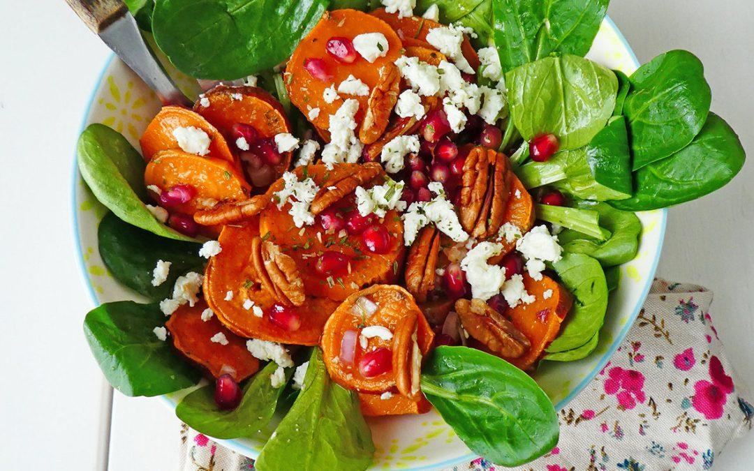 Salade de patates douces, Feta, grenade et noix de pecan ( Sans céréales, sans gluten )