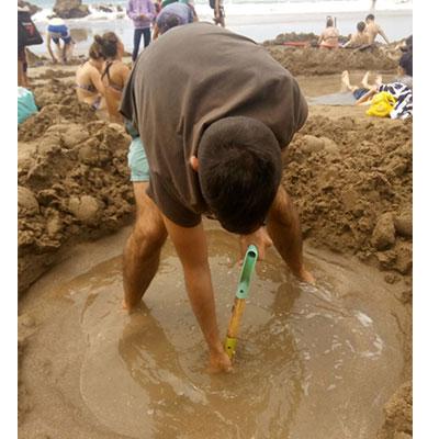 Hot-water-beach