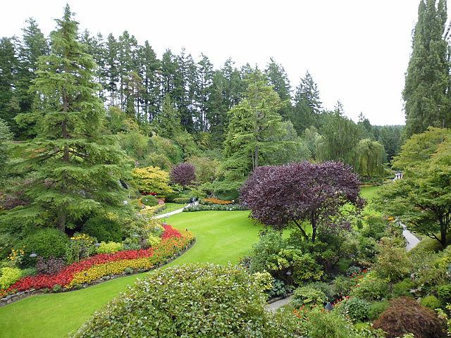 3-1379493462-sunken-garden