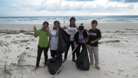 Tommys beach clean-up team!
