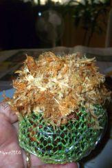 kokedama-layer-of-sphagnum-moss-before-mounting-phalaenopsis