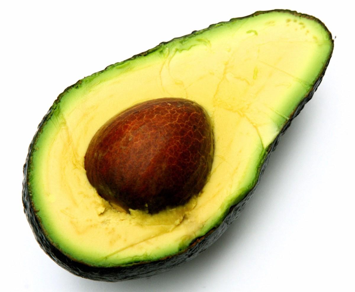 Slik kan du modne en avokado på få minutter - Et smart triks