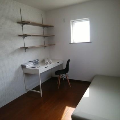 完成しました。購入した家具も組立完了。