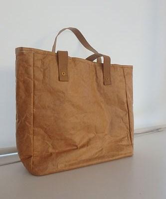 タイベックのバッグ