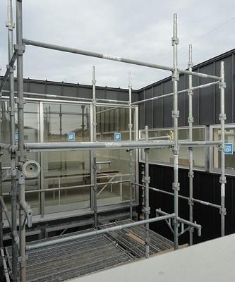 中庭ガルバリウム鋼板