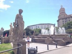 バルセロナの中心地「カタルーニャ広場」