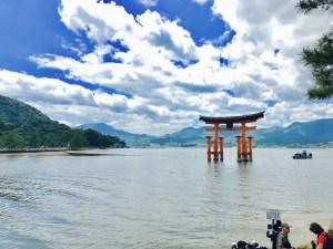 神秘的!広島にある世界遺産「厳島神社」を参拝