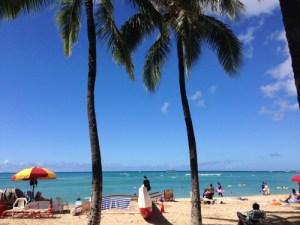 ハワイの王道!エメラルドに輝くワイキキ・ビーチ
