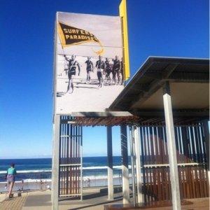 あの有名なサーファーズパラダイスビーチへ!
