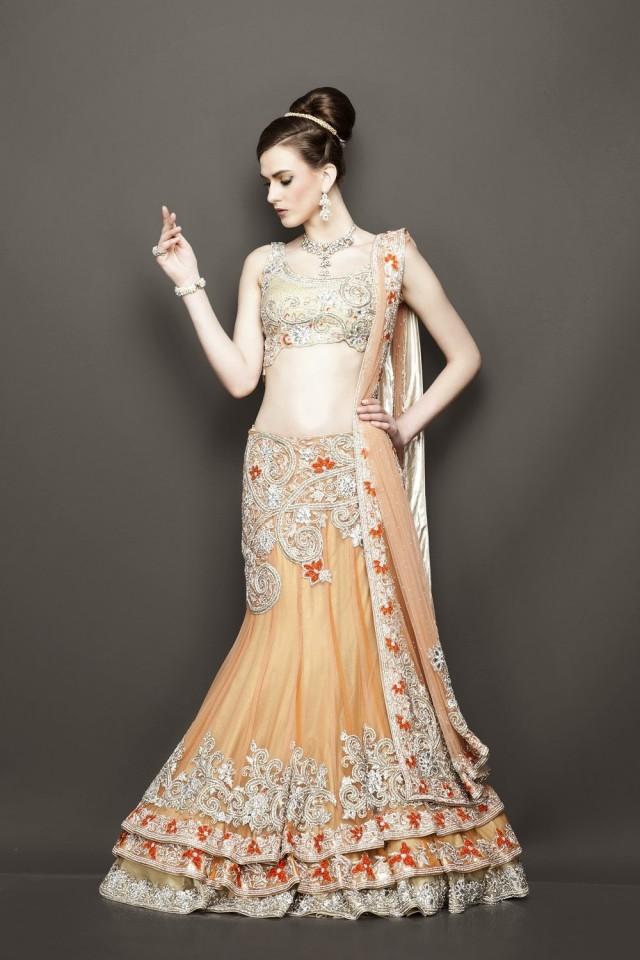 マレーシア インド系 結婚式服装