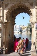 Tor zu den Gaths am Pichola Lake, Udaipur