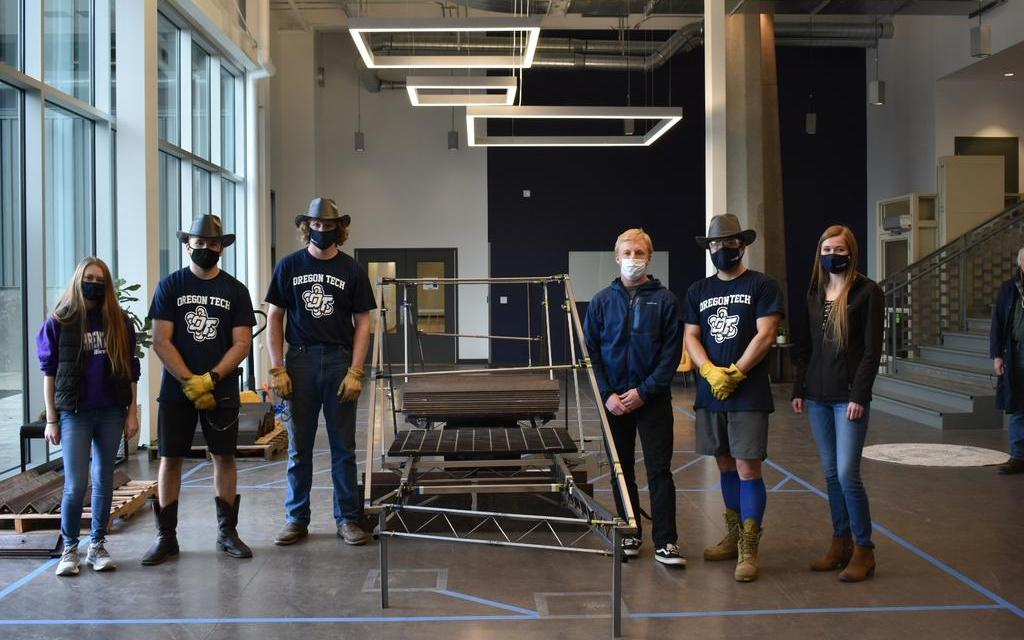 Civil Engineering students qualify for national steel bridge competition