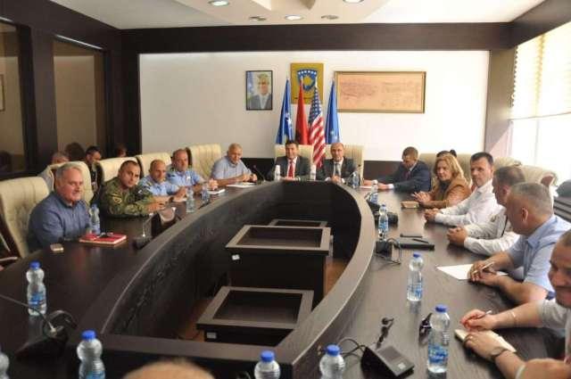 Pamje-nga-takimi-17.05.2018-1024x680 Ministri Gashi viziton komunën e Mitrovicës (FOTO)