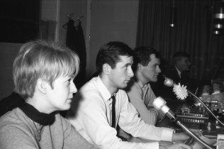 1966-68: Ásthildur Kjartansdóttir skrifta - Ólafur Ragnarsson þá upptökustjóri, síðar fréttamaður- Sigmundur Arthúrsson mixer, síðar tökumaður - Ingvi Hjörleifsson ljósameistari.